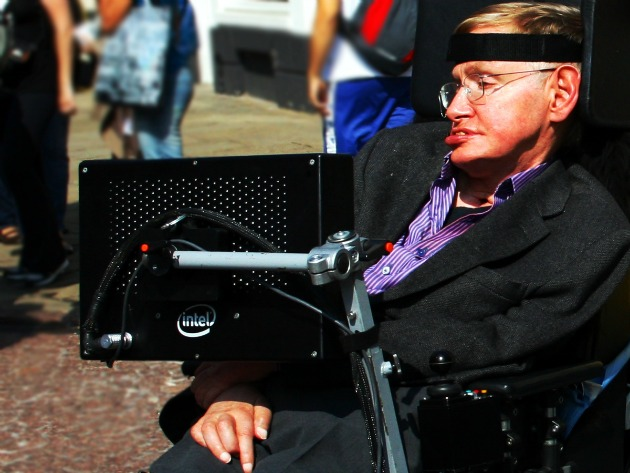 Stephen Hawking: Human stupidity is Earth's greatest threat