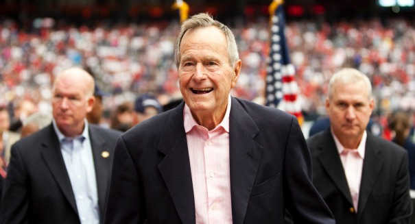 George H.W. Bush has severe pneumonia: reports