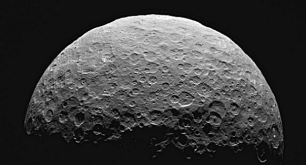 NASA's Dawn spacecraft snaps stunning photo of Ceres' north pole