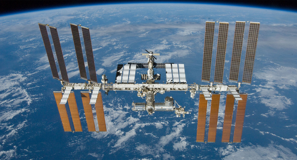 Daring ISS spacewalkers fix toxic ammonia leak