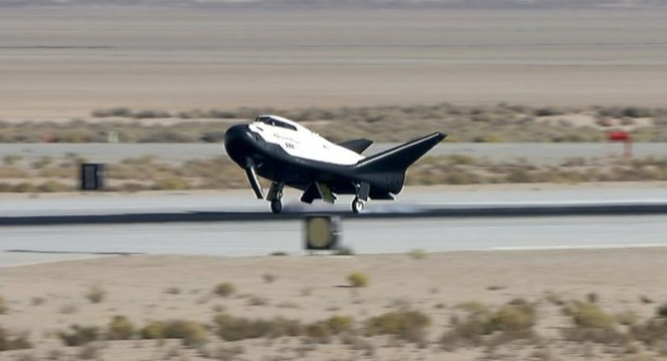 Dream Chaser Space Plane Passes Landing Test