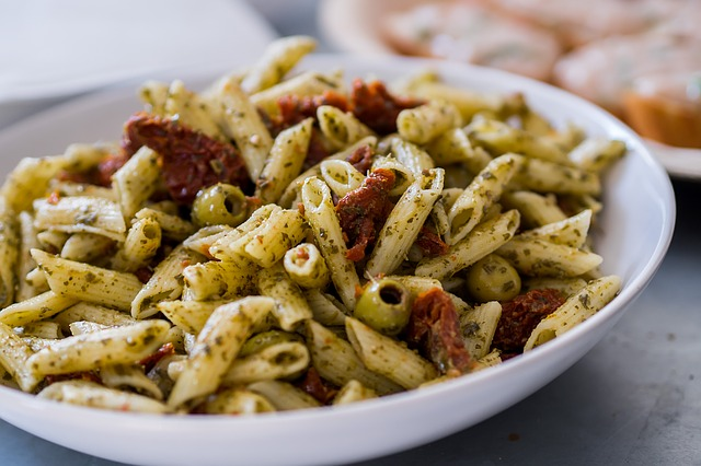 Eating pasta makes you slimmer, claim (Italian) researchers